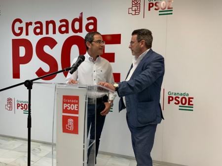 Miguel Ángel Fernández Madrid y Baldomero Oliver en rueda de prensa (PSOE)