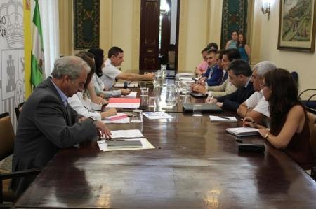 Reunión de las instituciones para acabar con los cortes de luz en la zona norte (SUBDELEGACIÓN)