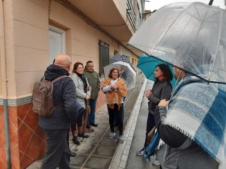 Miembros de IU han visitado la barriada de la pulga de Santa Fe (IU)