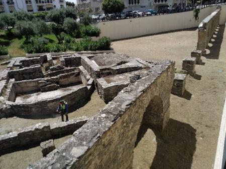 Limpieza del acueducto romano de Almuñécar (AYTO. ALMUÑECAR)