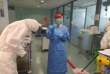 Sanitarios del Hospital San Cecilio (HUSC)