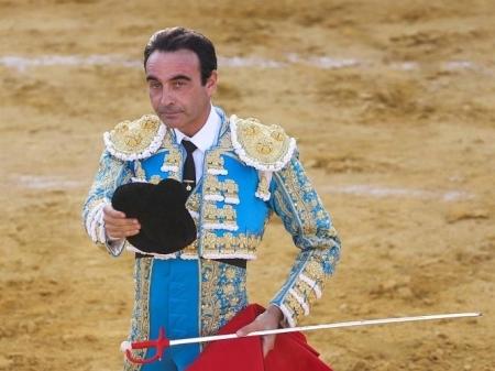 Enrique Ponce en una imagen de archivo (EUROPA PRESS)