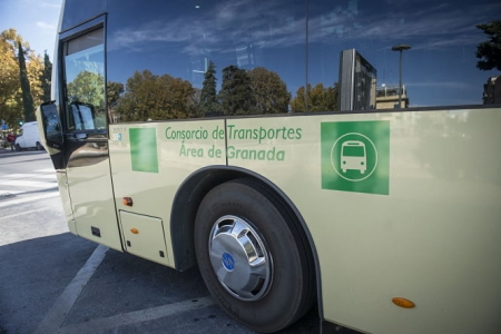 Imagen de un bus metropolitano (JUNTA)