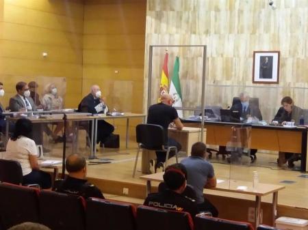 Juicio con jurado popular a acusado de asesinar a puñaladas en Maracena a su ex mujer, en imagen de archivo (EUROPA PRESS)